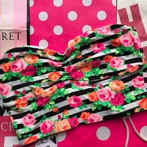 💚NWT VS PINK STRIPED FLORAL BANDEAU💚
